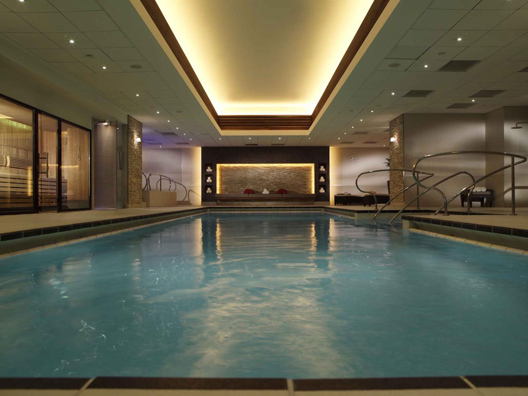 The specialty of spa breaks in london for Pool design london